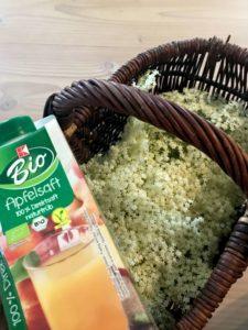 Holunder und Apfelsaft